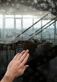 Χέρι σχετικά με τα εικονίδια συνδετήρων Στοκ φωτογραφία με δικαίωμα ελεύθερης χρήσης