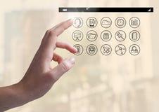 Χέρι σχετικά με την ψηφιακά παραγμένη εφαρμογή apps Στοκ Εικόνες