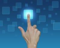 Χέρι σχετικά με την ώθηση της οθόνης επαφής κουμπιών, έννοια επιλογής Στοκ εικόνες με δικαίωμα ελεύθερης χρήσης