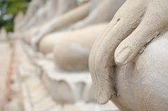Χέρι του Βούδα και άγαλμα του Βούδα στην πόλη Ayutthaya Στοκ εικόνες με δικαίωμα ελεύθερης χρήσης