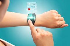 Χέρι smartwatch Στοκ Εικόνες