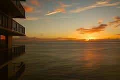 Χαβάη Condo και ηλιοβασίλεμα στοκ φωτογραφία