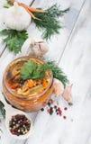 Χαβιάρι μελιτζάνας σε ένα βάζο γυαλιού Στοκ φωτογραφίες με δικαίωμα ελεύθερης χρήσης