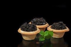 Χαβιάρι Osetra στα tartlets στοκ φωτογραφία με δικαίωμα ελεύθερης χρήσης