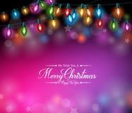 Χαιρετισμοί Χαρούμενα Χριστούγεννας στα ρεαλιστικά ζωηρόχρωμα φω'τα Χριστουγέννων ελεύθερη απεικόνιση δικαιώματος