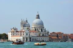 Χαιρετισμός della της Σάντα Μαρία βασιλικών στη Βενετία - την Ιταλία στοκ φωτογραφία
