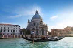 Χαιρετισμός della Di Σάντα Μαρία βασιλικών και γόνδολα, Βενετία Στοκ εικόνα με δικαίωμα ελεύθερης χρήσης