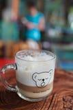 χαλάρωση καφέ Στοκ φωτογραφία με δικαίωμα ελεύθερης χρήσης