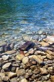 Χαλίκια κάτω από το ύδωρ Στοκ φωτογραφίες με δικαίωμα ελεύθερης χρήσης