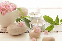 Χαλίκια και κεριά Στοκ Φωτογραφία