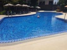 Χαλαρωμένος κολυμπήστε στοκ εικόνα με δικαίωμα ελεύθερης χρήσης