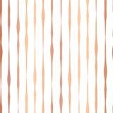 Χαλκού κομψό άνευ ραφής διανυσματικό σχέδιο γραμμών φύλλων αλουμινίου συρμένο χέρι κάθετο Αυξήθηκε χρυσά κυματιστά ανώμαλα λωρίδε διανυσματική απεικόνιση
