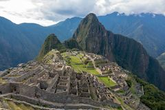Χαμένη πόλη Machu Picchu και των καταστροφών του στο Περού στοκ εικόνα