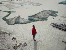 Χαμένος σε μια παραλία θάλασσας στοκ εικόνες με δικαίωμα ελεύθερης χρήσης
