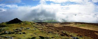 Χαμηλά σύννεφα πέρα από την κοιλάδα Bassenthwaite Στοκ φωτογραφίες με δικαίωμα ελεύθερης χρήσης