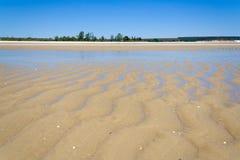 χαμηλή παλίρροια αμμουδιών Στοκ φωτογραφία με δικαίωμα ελεύθερης χρήσης