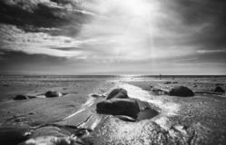 Χαμηλή παραλία παλίρροιας στην Ουαλία στο καλοκαίρι στοκ φωτογραφία με δικαίωμα ελεύθερης χρήσης
