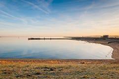 χαμηλός ήλιος πρωινού λιμνών oosterschelde στοκ εικόνα