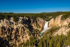 Χαμηλότερος καταρράκτης πτώσεων στο μεγάλο φαράγγι Yellowstone στοκ φωτογραφία με δικαίωμα ελεύθερης χρήσης