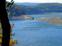 Χαμηλό νερό σε Edersse, edersee-Atlantis στοκ εικόνες