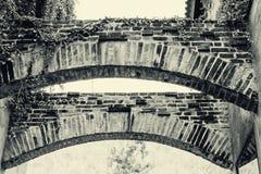 Χαμηλή άποψη γωνίας του τούβλου deco στοκ φωτογραφία με δικαίωμα ελεύθερης χρήσης