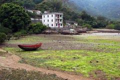 Χαμηλή παλίρροια στο εγκαταλειμμένο χωριό Chek Keng, Χονγκ Κονγκ Στοκ Εικόνες