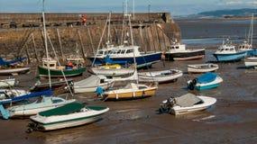 Χαμηλή παλίρροια στο λιμάνι στην κεφαλή νάρκης Στοκ φωτογραφίες με δικαίωμα ελεύθερης χρήσης