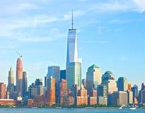 Χαμηλότερος ορίζοντας κτηρίων του Μανχάταν πόλεων της Νέας Υόρκης Στοκ Φωτογραφία