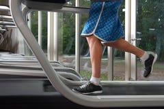 Χαμηλό τμήμα του ατόμου treadmill Στοκ Εικόνες
