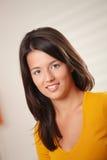 χαμογελώντας έφηβος πορτρέτου κοριτσιών Στοκ εικόνες με δικαίωμα ελεύθερης χρήσης