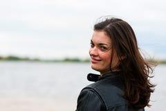 Χαμογελώντας γυναίκα στοκ εικόνα με δικαίωμα ελεύθερης χρήσης