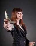Χαμογελώντας επιχειρησιακή γυναίκα με τα δολάρια Στοκ εικόνα με δικαίωμα ελεύθερης χρήσης
