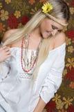 Χαμογελώντας κορίτσι Hippie Στοκ Φωτογραφίες