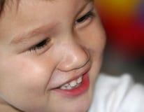 χαμογελώντας μικρό παιδί στοκ εικόνες με δικαίωμα ελεύθερης χρήσης