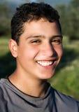 χαμογελώντας νεολαίες τύπων Στοκ φωτογραφίες με δικαίωμα ελεύθερης χρήσης