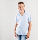 χαμογελώντας έφηβος αγόρι ευτυχές Στοκ Εικόνες