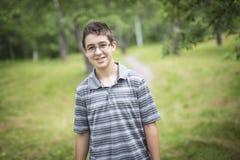 Χαμογελώντας αγόρι παιδιών εφηβικό Στοκ φωτογραφίες με δικαίωμα ελεύθερης χρήσης