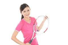 Χαμογελώντας γυναίκα με μια ρακέτα αντισφαίρισης Στοκ φωτογραφίες με δικαίωμα ελεύθερης χρήσης