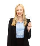 Χαμογελώντας γυναίκα με eyeglasses Στοκ Εικόνες