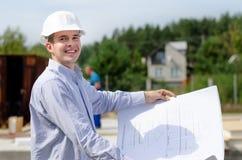 Χαμογελώντας επιτυχής νέος αρχιτέκτονας Στοκ Εικόνα