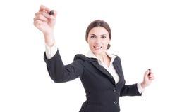 Χαμογελώντας επιχειρησιακός γυναίκα ή δάσκαλος που χρησιμοποιεί το δείκτη στο διαφανές Sc Στοκ φωτογραφία με δικαίωμα ελεύθερης χρήσης