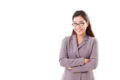 Χαμογελώντας, ευτυχής, θετική επιχειρησιακή γυναίκα με eyeglasses Στοκ Εικόνες