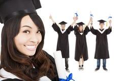 Χαμογελώντας διαβαθμισμένοι κορίτσι και σπουδαστές στοκ φωτογραφίες με δικαίωμα ελεύθερης χρήσης