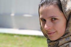 Χαμογελώντας κεφάλι γυναικών πέπλων Στοκ Εικόνα