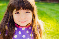 χαμογελώντας νεολαίες κοριτσιών Στοκ εικόνες με δικαίωμα ελεύθερης χρήσης