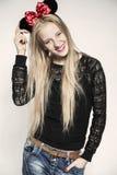 χαμογελώντας νεολαίες πορτρέτου κοριτσιών Στοκ εικόνα με δικαίωμα ελεύθερης χρήσης