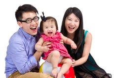 Χαμογελώντας οικογένεια στοκ φωτογραφίες