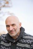 Χαμογελώντας φαλακρό άτομο Στοκ φωτογραφία με δικαίωμα ελεύθερης χρήσης