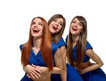 Χαμογελώντας όμορφες γυναίκες τρίδυμων Στοκ εικόνα με δικαίωμα ελεύθερης χρήσης