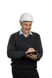 Χαμογελώντας ώριμος μηχανικός, άσπρο υπόβαθρο στοκ εικόνα με δικαίωμα ελεύθερης χρήσης